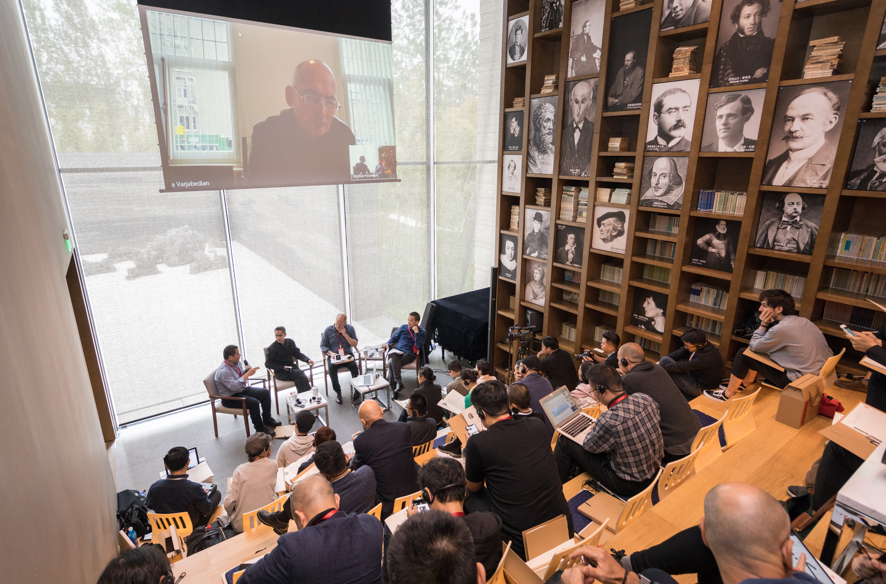 02_Prof. Ho during the interview by Koolhaas2